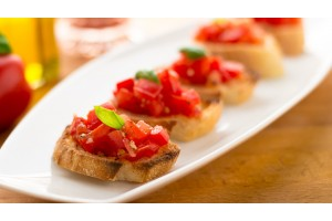 Bruschetta with cheese (сыр)
